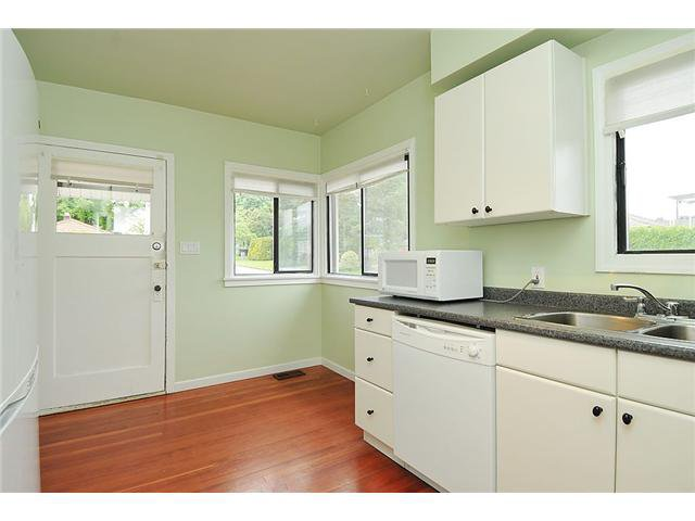 Photo 4: Photos: 106 E 38TH Avenue in Vancouver: Main House for sale (Vancouver East)  : MLS®# V954480