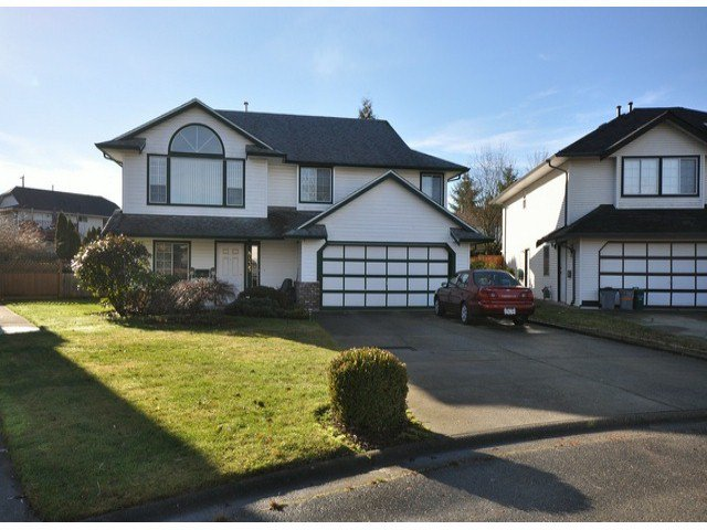 Main Photo: 8435 COX DR in Mission: Mission BC House for sale : MLS®# F1401321