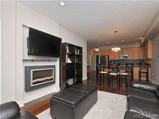 Main Photo: 302 4529 West Saanich Rd in VICTORIA: SW Royal Oak Condo for sale (Saanich West)  : MLS®# 668880