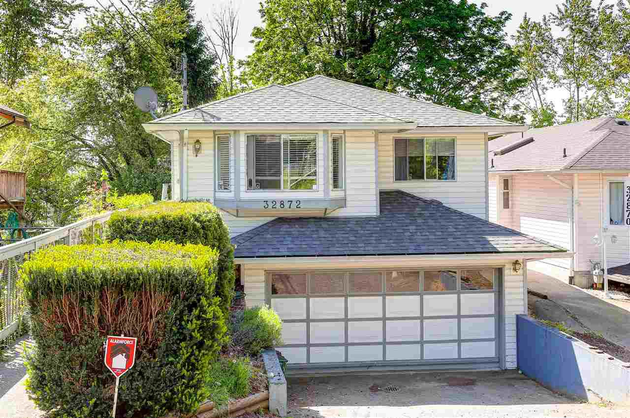 Main Photo: 32872 1ST Avenue in Mission: Mission BC House for sale : MLS®# R2064227