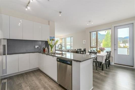 "Main Photo: 418 2665 MOUNTAIN Highway in North Vancouver: Lynn Valley Condo for sale in ""Canyon Springs"" : MLS®# R2134939"