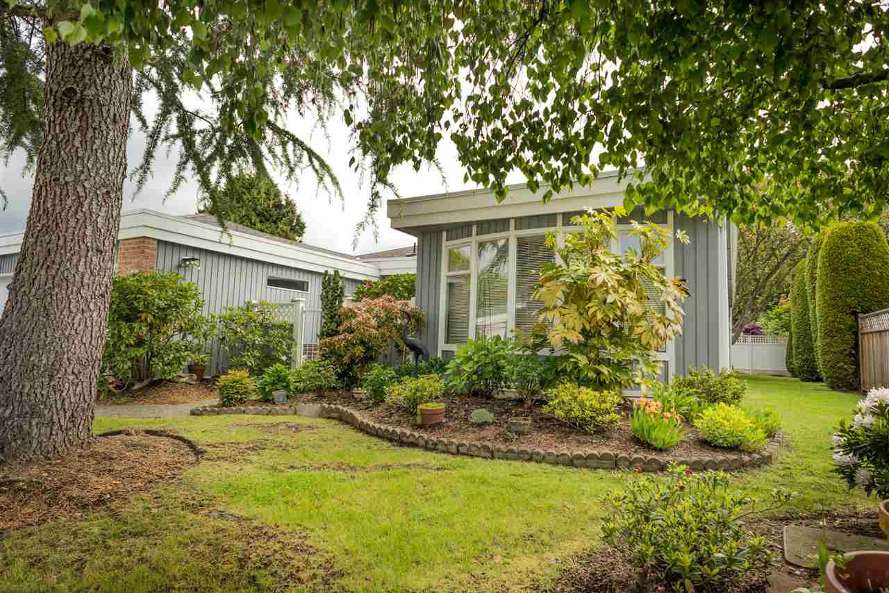"""Photo 2: Photos: 123 14271 18A Avenue in Surrey: Sunnyside Park Surrey Townhouse for sale in """"Ocean Bluff Court"""" (South Surrey White Rock)  : MLS®# R2166239"""