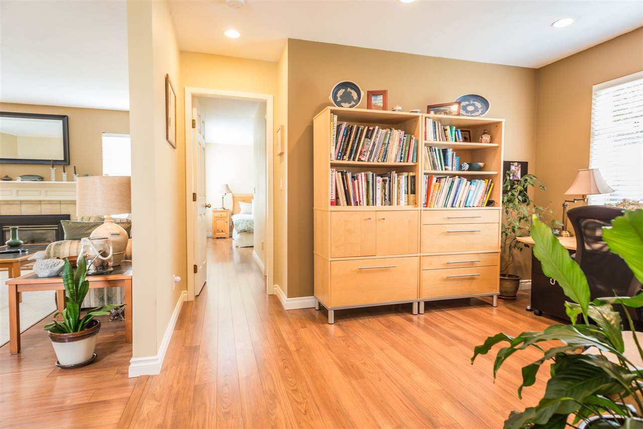 """Photo 12: Photos: 123 14271 18A Avenue in Surrey: Sunnyside Park Surrey Townhouse for sale in """"Ocean Bluff Court"""" (South Surrey White Rock)  : MLS®# R2166239"""