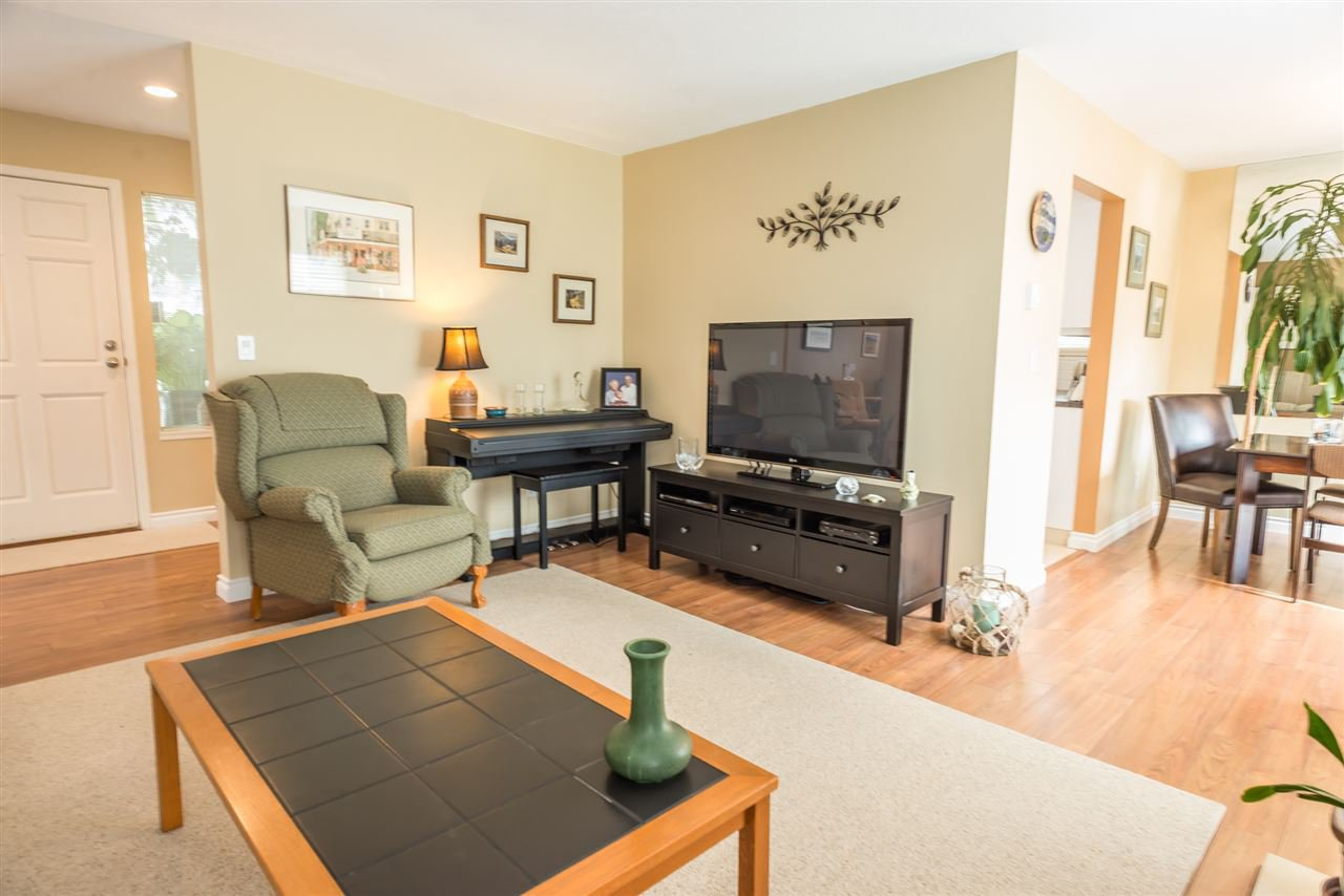 """Photo 5: Photos: 123 14271 18A Avenue in Surrey: Sunnyside Park Surrey Townhouse for sale in """"Ocean Bluff Court"""" (South Surrey White Rock)  : MLS®# R2166239"""