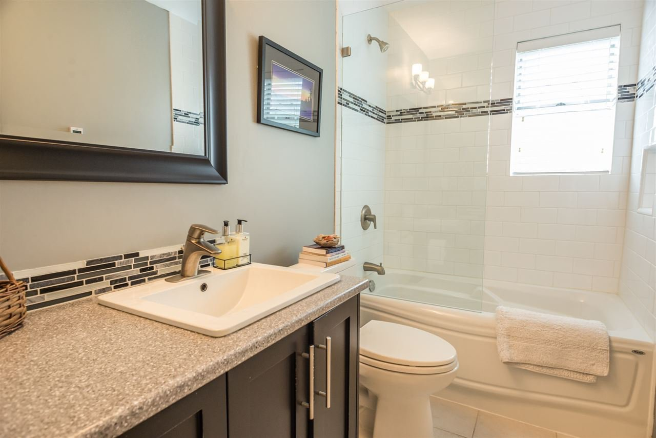 """Photo 15: Photos: 123 14271 18A Avenue in Surrey: Sunnyside Park Surrey Townhouse for sale in """"Ocean Bluff Court"""" (South Surrey White Rock)  : MLS®# R2166239"""