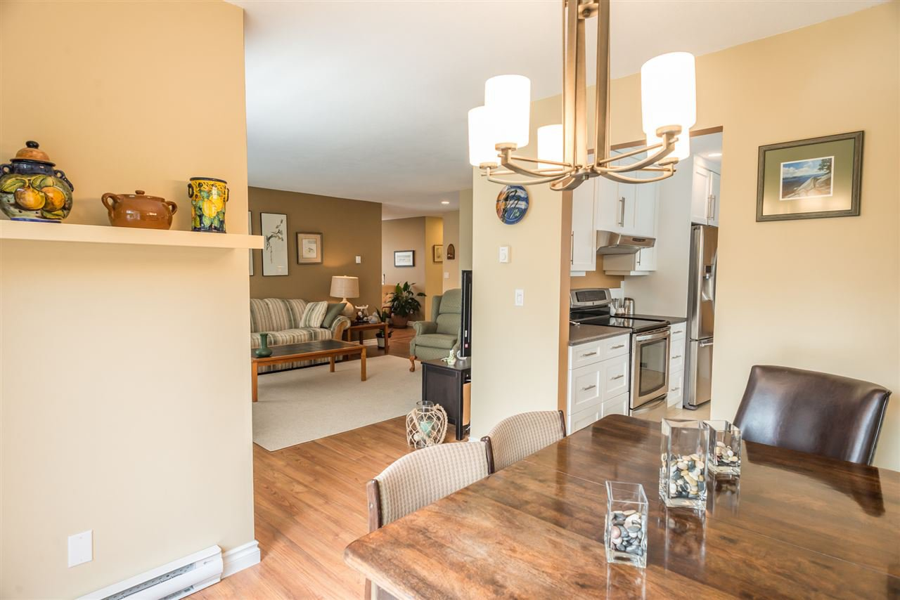 """Photo 7: Photos: 123 14271 18A Avenue in Surrey: Sunnyside Park Surrey Townhouse for sale in """"Ocean Bluff Court"""" (South Surrey White Rock)  : MLS®# R2166239"""