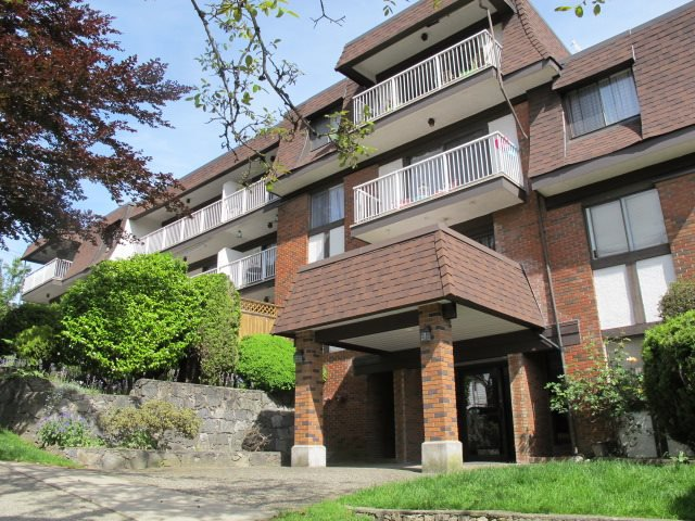 """Main Photo: 409 331 KNOX Street in New Westminster: Sapperton Condo for sale in """"WESTMOUNT ARMS"""" : MLS®# R2169687"""