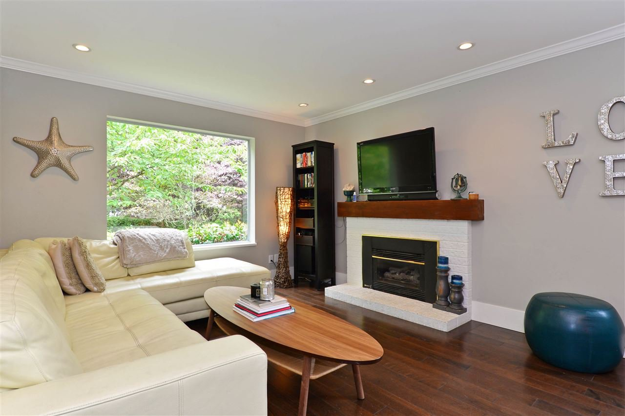 """Main Photo: 1920 128 Street in Surrey: Crescent Bch Ocean Pk. House for sale in """"Ocean Park"""" (South Surrey White Rock)  : MLS®# R2201900"""