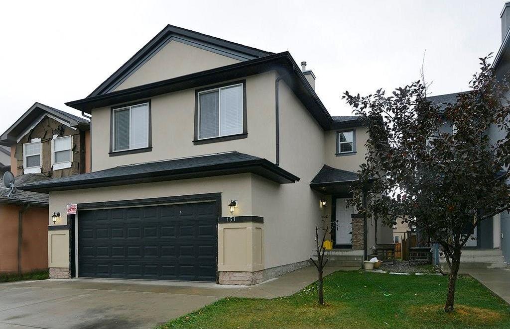Main Photo: 151 SADDLECREST Gardens NE in Calgary: Saddle Ridge House for sale : MLS®# C4138096