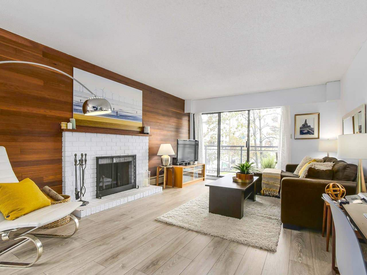 """Main Photo: 211 319 E 7TH Avenue in Vancouver: Mount Pleasant VE Condo for sale in """"SCOTIA PLACE"""" (Vancouver East)  : MLS®# R2216536"""