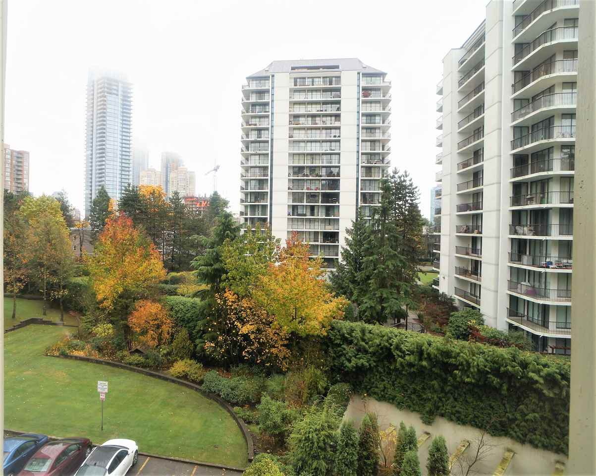 """Main Photo: 508 4105 MAYWOOD Street in Burnaby: Metrotown Condo for sale in """"TIMES SQUARE"""" (Burnaby South)  : MLS®# R2224151"""