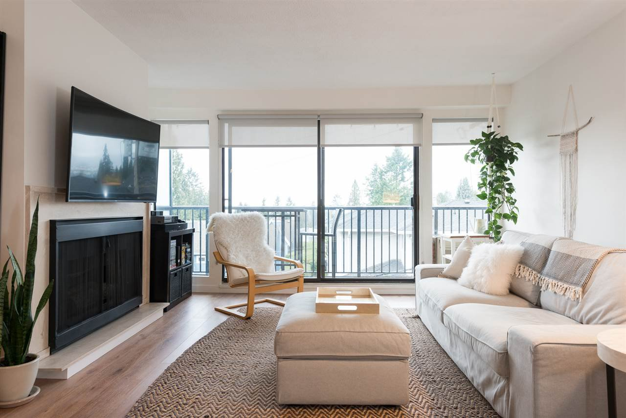 "Main Photo: 305 2545 LONSDALE Avenue in North Vancouver: Upper Lonsdale Condo for sale in ""The Lexington"" : MLS®# R2241136"