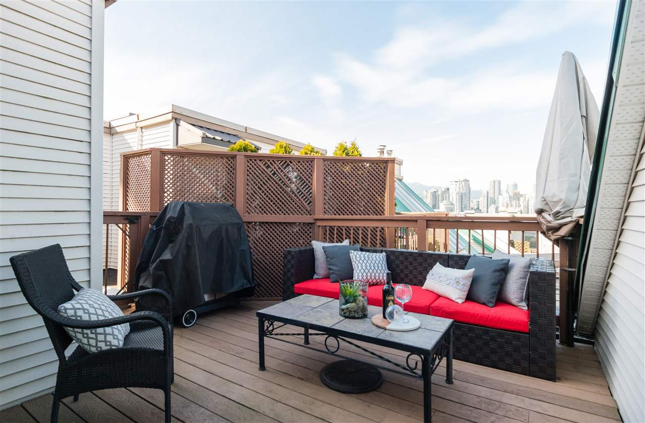 """Main Photo: 305 910 W 8TH Avenue in Vancouver: Fairview VW Condo for sale in """"THE RHAPSODY"""" (Vancouver West)  : MLS®# R2249132"""
