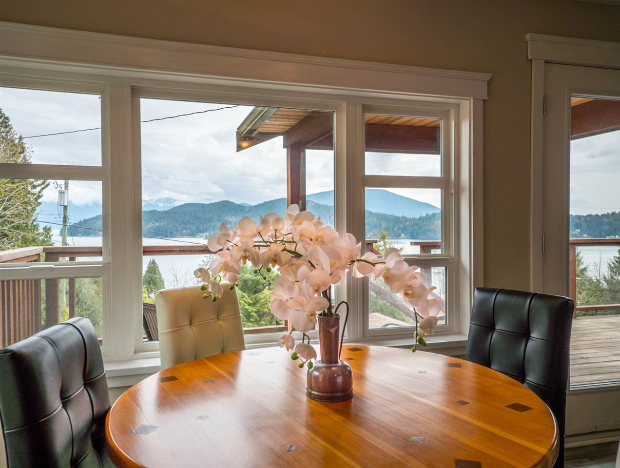 Photo 7: Photos: 588 N FLETCHER Road in Gibsons: Gibsons & Area House for sale (Sunshine Coast)  : MLS®# R2254074