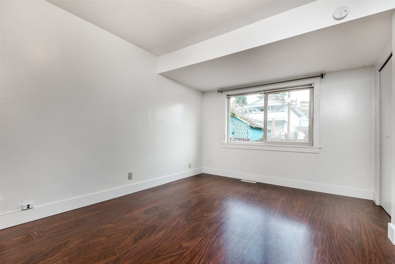Photo 8: Photos: 2576 E 28TH Avenue in Vancouver: Collingwood VE House for sale (Vancouver East)  : MLS®# R2265530