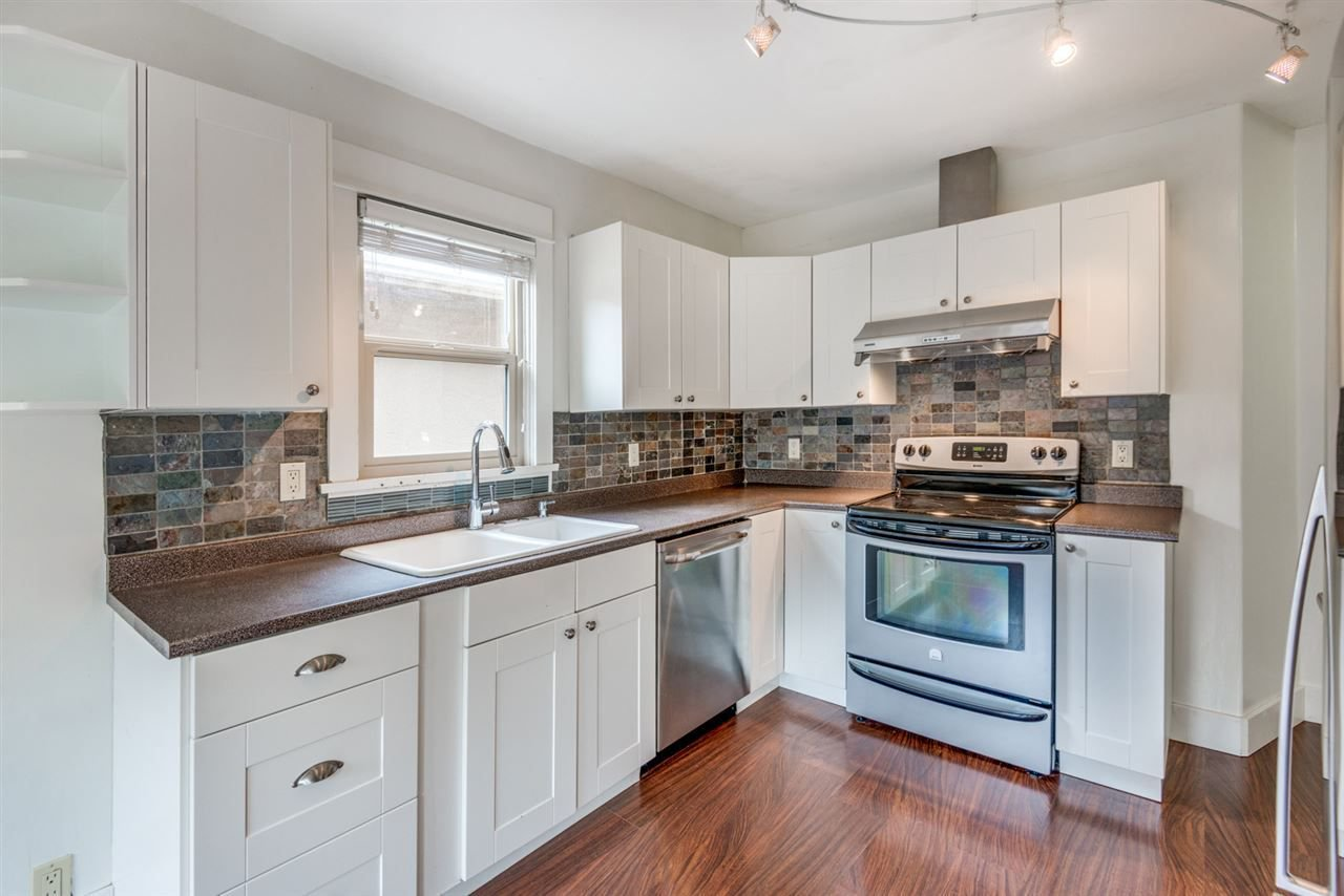 Photo 10: Photos: 2576 E 28TH Avenue in Vancouver: Collingwood VE House for sale (Vancouver East)  : MLS®# R2265530