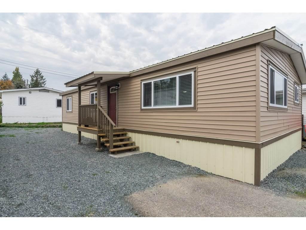 "Main Photo: 15 26892 FRASER Highway in Langley: Aldergrove Langley Manufactured Home for sale in ""Aldergrove Mobile Home Park"" : MLS®# R2317816"