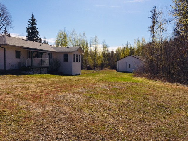 "Photo 5: Photos: 1650 PATCHETT Road in Quesnel: Bouchie Lake House for sale in ""BOUCHIE LAKE"" (Quesnel (Zone 28))  : MLS®# R2368012"