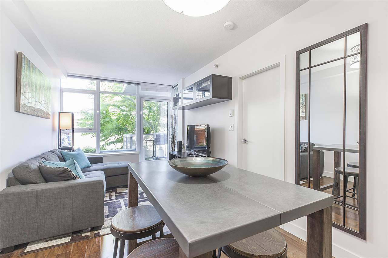 """Photo 8: Photos: 371 250 E 6TH Avenue in Vancouver: Mount Pleasant VE Condo for sale in """"THE DISTRICT"""" (Vancouver East)  : MLS®# R2374197"""