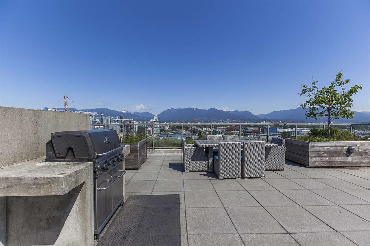 """Photo 14: Photos: 371 250 E 6TH Avenue in Vancouver: Mount Pleasant VE Condo for sale in """"THE DISTRICT"""" (Vancouver East)  : MLS®# R2374197"""