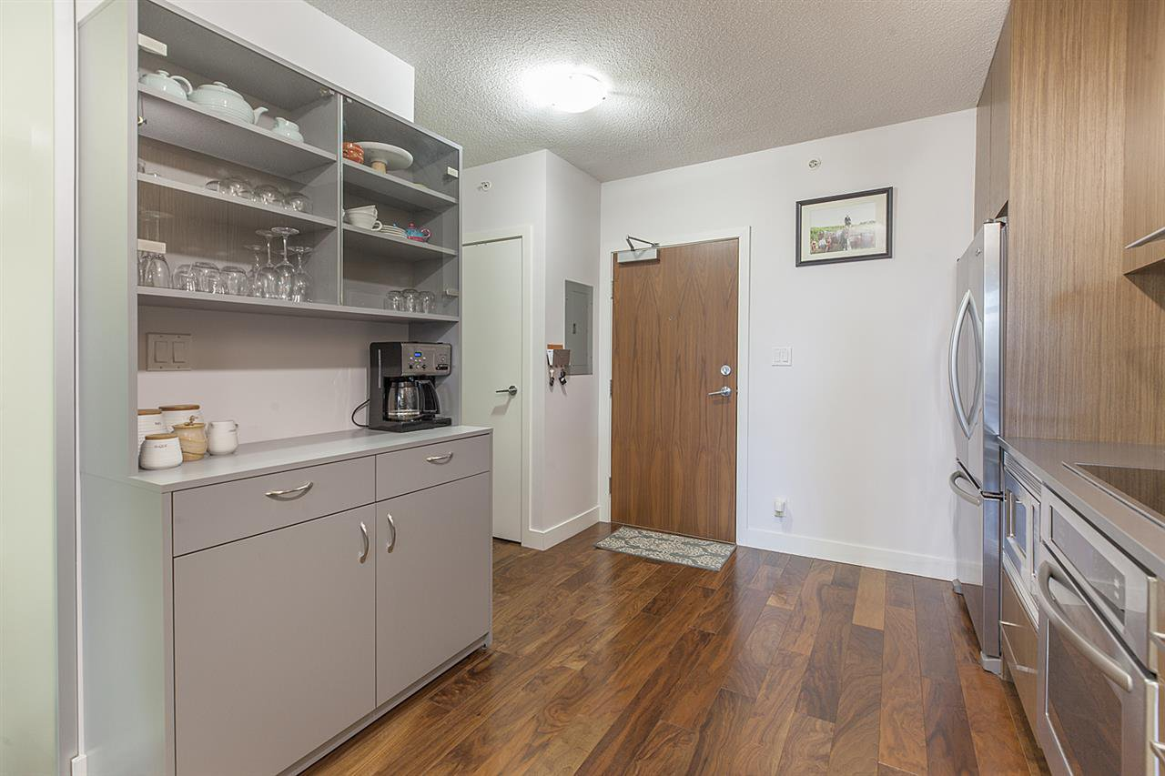 """Photo 3: Photos: 371 250 E 6TH Avenue in Vancouver: Mount Pleasant VE Condo for sale in """"THE DISTRICT"""" (Vancouver East)  : MLS®# R2374197"""