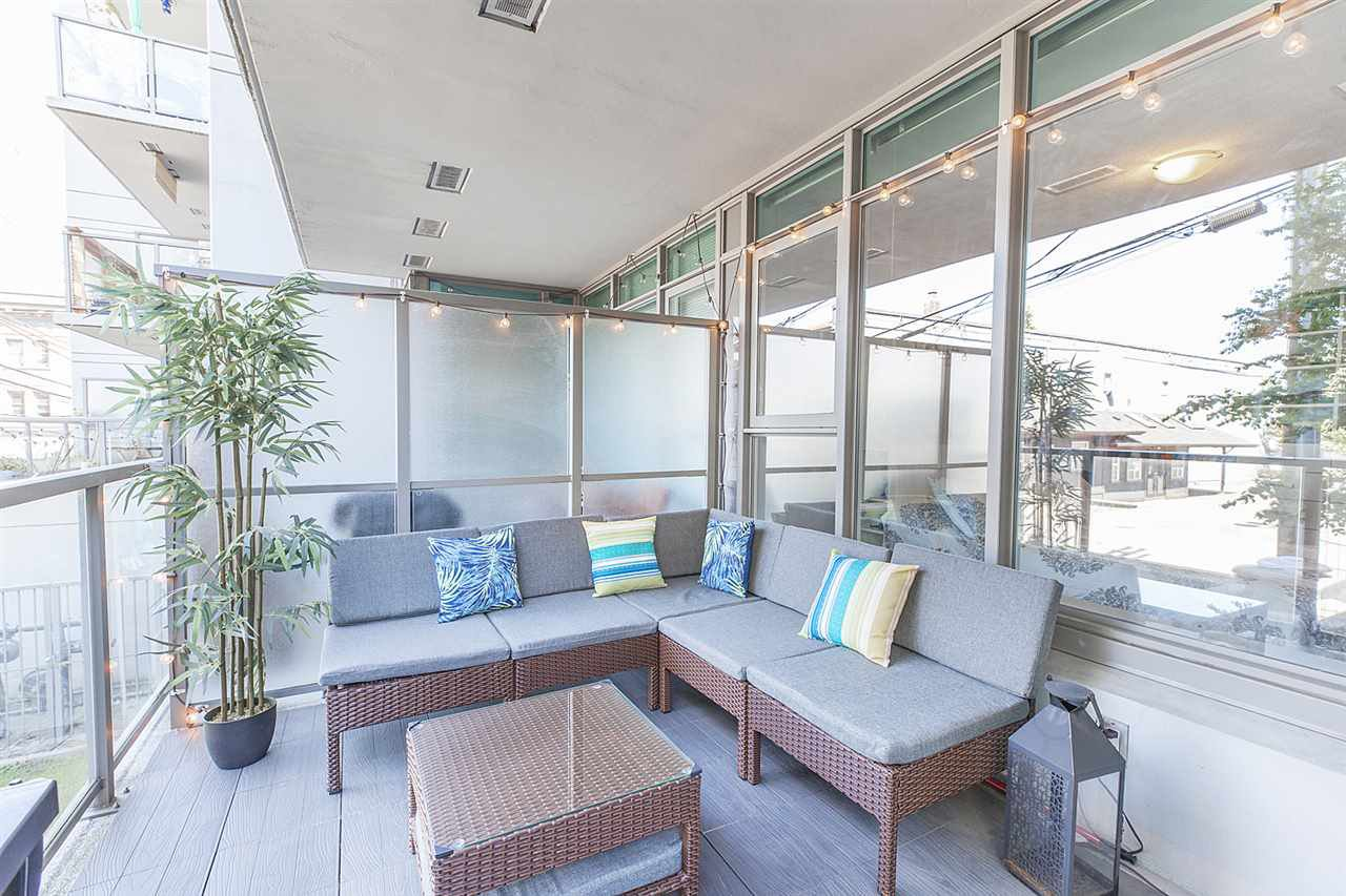 """Photo 12: Photos: 371 250 E 6TH Avenue in Vancouver: Mount Pleasant VE Condo for sale in """"THE DISTRICT"""" (Vancouver East)  : MLS®# R2374197"""