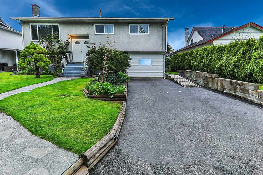 Main Photo: 11868 229 Street in Maple Ridge: East Central House for sale : MLS®# R2390656