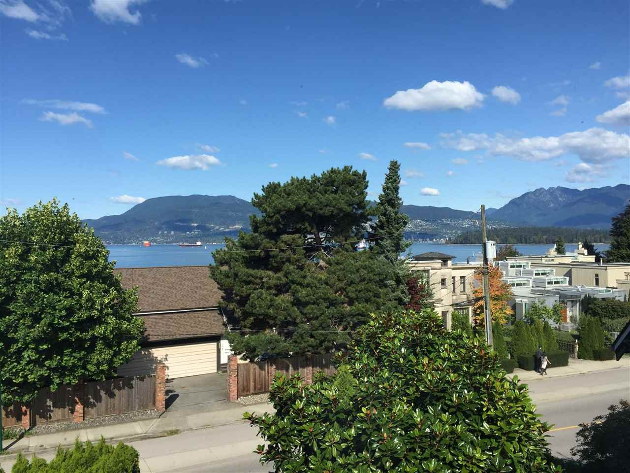 Main Photo: 2640 POINT GREY Road in Vancouver: Kitsilano Townhouse for sale (Vancouver West)  : MLS®# R2412070