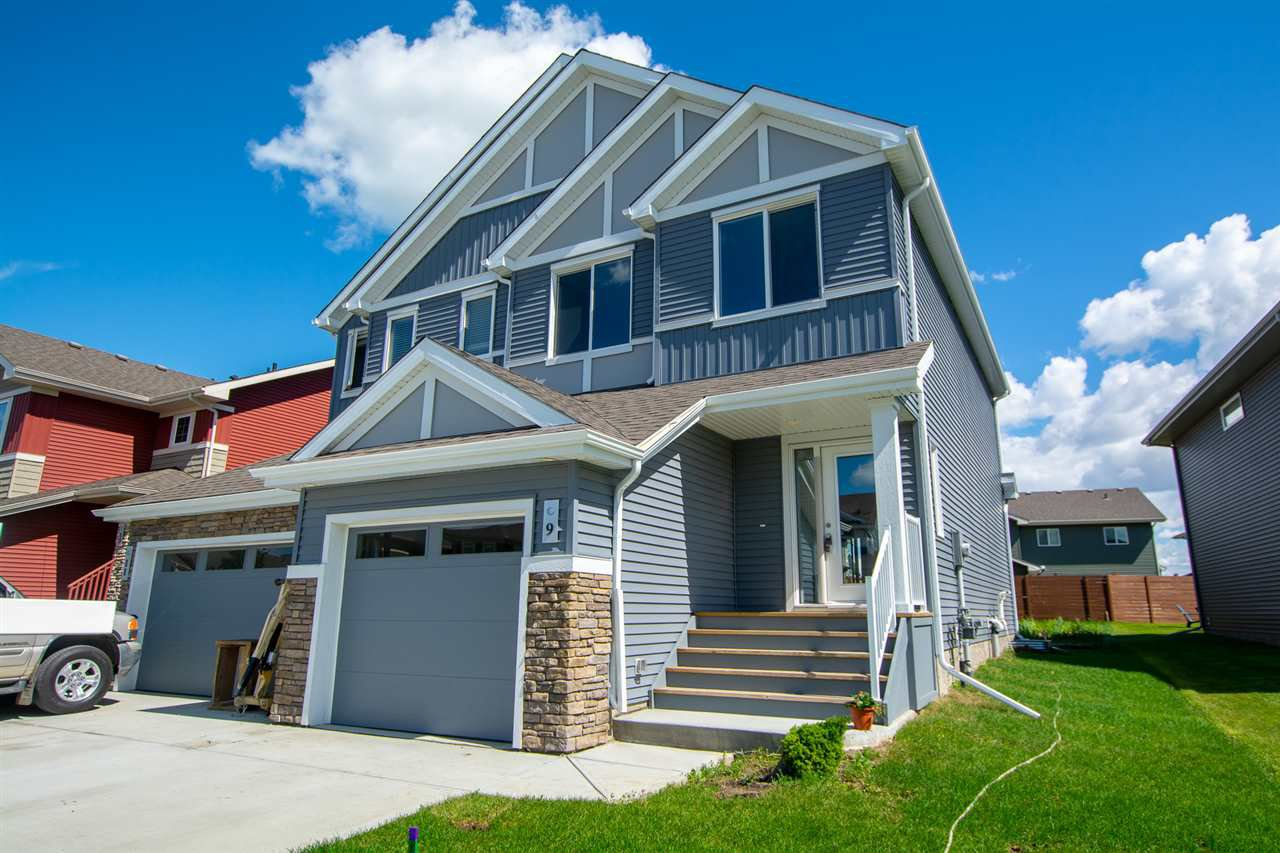 Main Photo: 9 JAMES Crescent: St. Albert House Half Duplex for sale : MLS®# E4206307