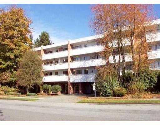 Main Photo: 319 360 E 2nd Street in North Vancouver: Condo for sale : MLS®# V755648