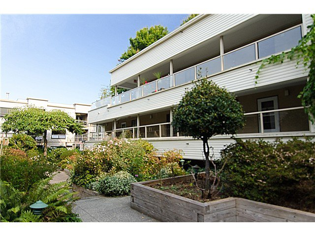 Main Photo: 201 1350 COMOX Street in Vancouver: West End VW Condo for sale (Vancouver West)  : MLS®# V973058