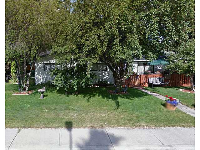 Main Photo: 6004 BOWWATER Crescent NW in Calgary: Bowness Residential Detached Single Family for sale : MLS®# C3648133
