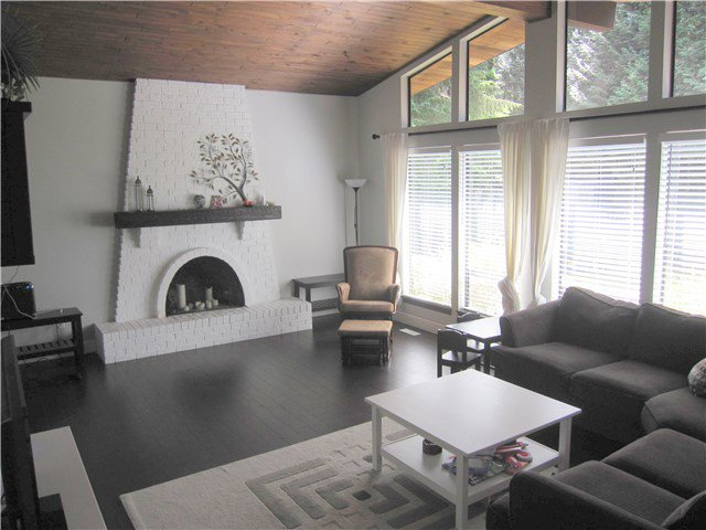 Photo 3: Photos: 23245 DOGWOOD Avenue in Maple Ridge: East Central House for sale : MLS®# V1135765