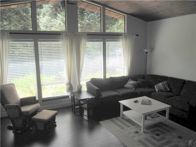Photo 4: Photos: 23245 DOGWOOD Avenue in Maple Ridge: East Central House for sale : MLS®# V1135765