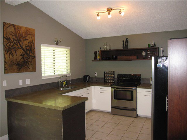 Photo 5: Photos: 23245 DOGWOOD Avenue in Maple Ridge: East Central House for sale : MLS®# V1135765