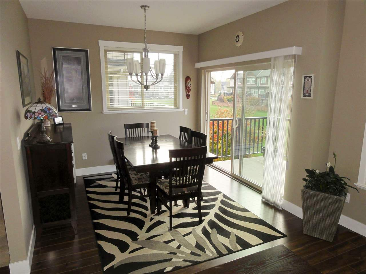 """Photo 4: Photos: 47 19525 73 Avenue in Surrey: Clayton Townhouse for sale in """"Uptown"""" (Cloverdale)  : MLS®# R2014205"""