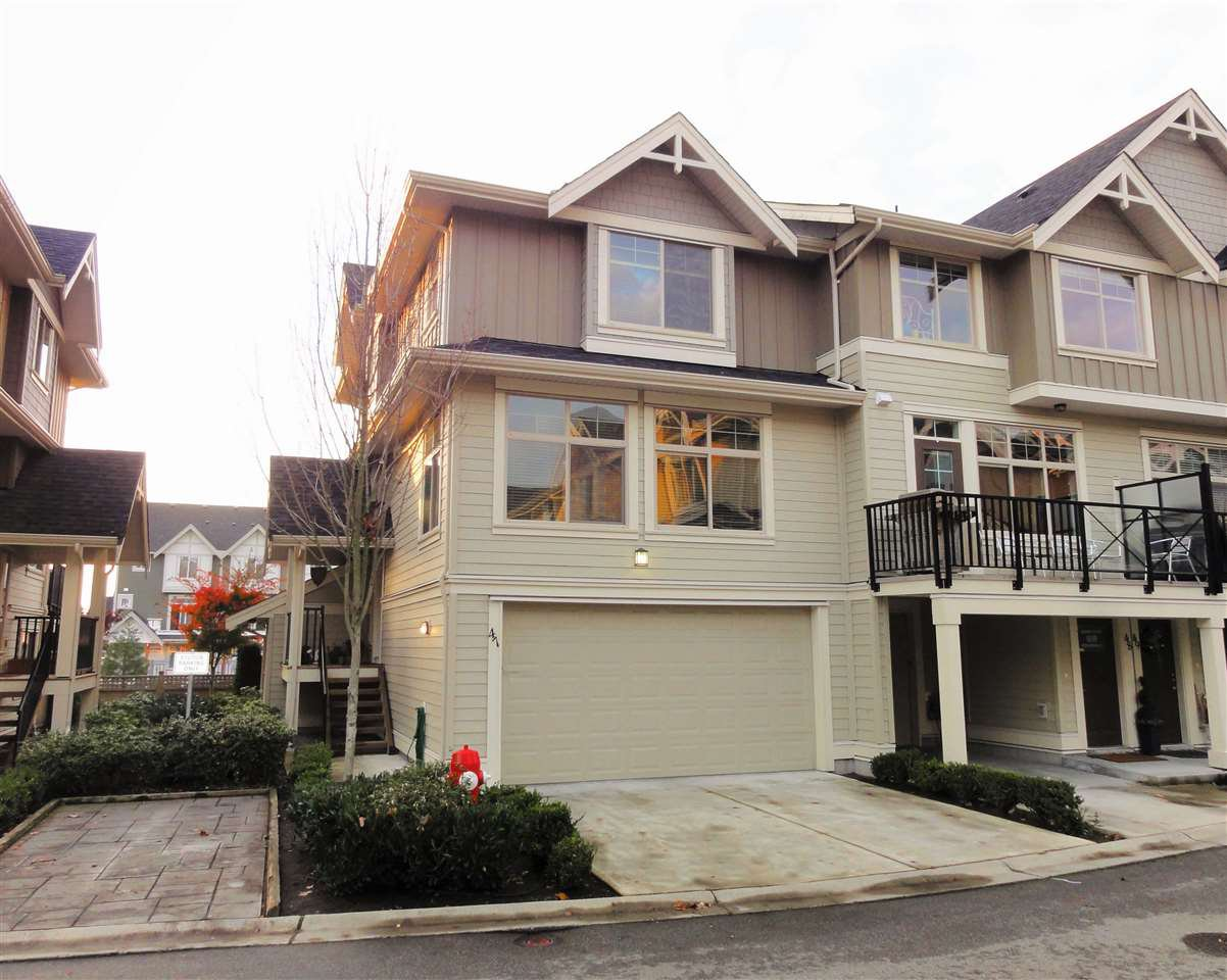"Main Photo: 47 19525 73 Avenue in Surrey: Clayton Townhouse for sale in ""Uptown"" (Cloverdale)  : MLS®# R2014205"