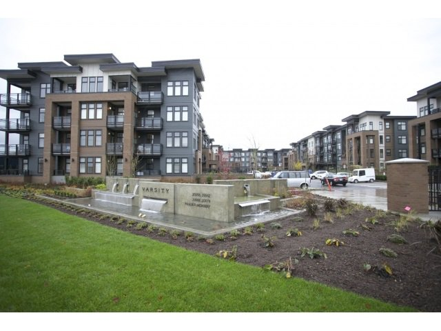 "Main Photo: 210 20068 FRASER Highway in Langley: Langley City Condo for sale in ""VARSITY"" : MLS®# R2016065"