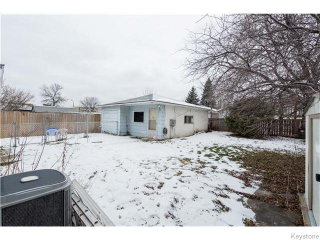 Photo 19: Photos: 11 Edelweiss Crescent in WINNIPEG: North Kildonan Residential for sale (North East Winnipeg)  : MLS®# 1531625