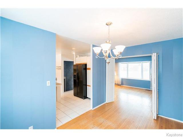 Photo 5: Photos: 11 Edelweiss Crescent in WINNIPEG: North Kildonan Residential for sale (North East Winnipeg)  : MLS®# 1531625