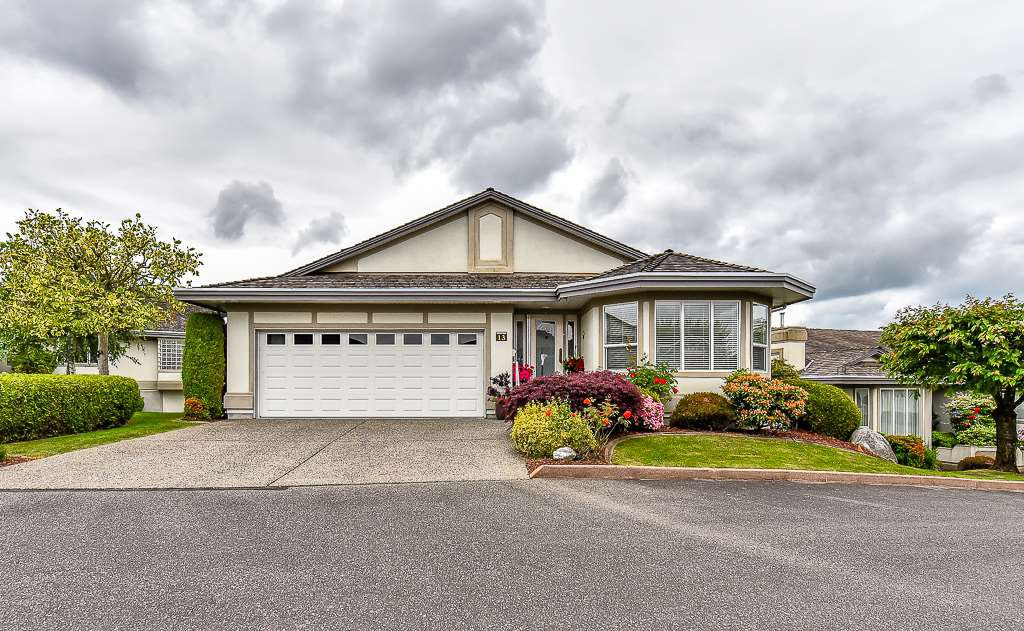 "Main Photo: 13 31445 RIDGEVIEW Drive in Abbotsford: Abbotsford West Townhouse for sale in ""Panorama Ridge"" : MLS®# R2073357"