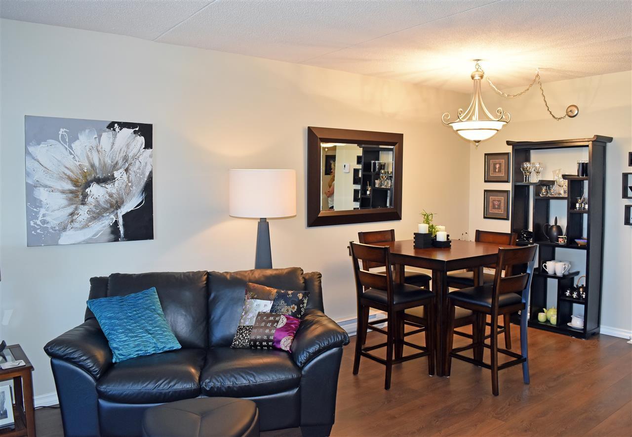 Photo 5: Photos: 211 5477 WHARF Avenue in Sechelt: Sechelt District Condo for sale (Sunshine Coast)  : MLS®# R2096430