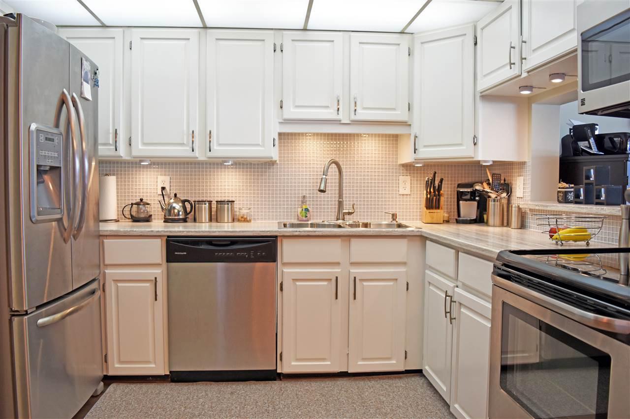 Photo 12: Photos: 211 5477 WHARF Avenue in Sechelt: Sechelt District Condo for sale (Sunshine Coast)  : MLS®# R2096430
