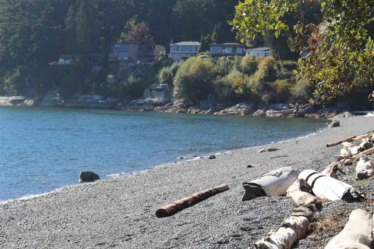 """Photo 20: Photos: 629 GOWER POINT Road in Gibsons: Gibsons & Area House for sale in """"Lower Gibsons"""" (Sunshine Coast)  : MLS®# R2135750"""