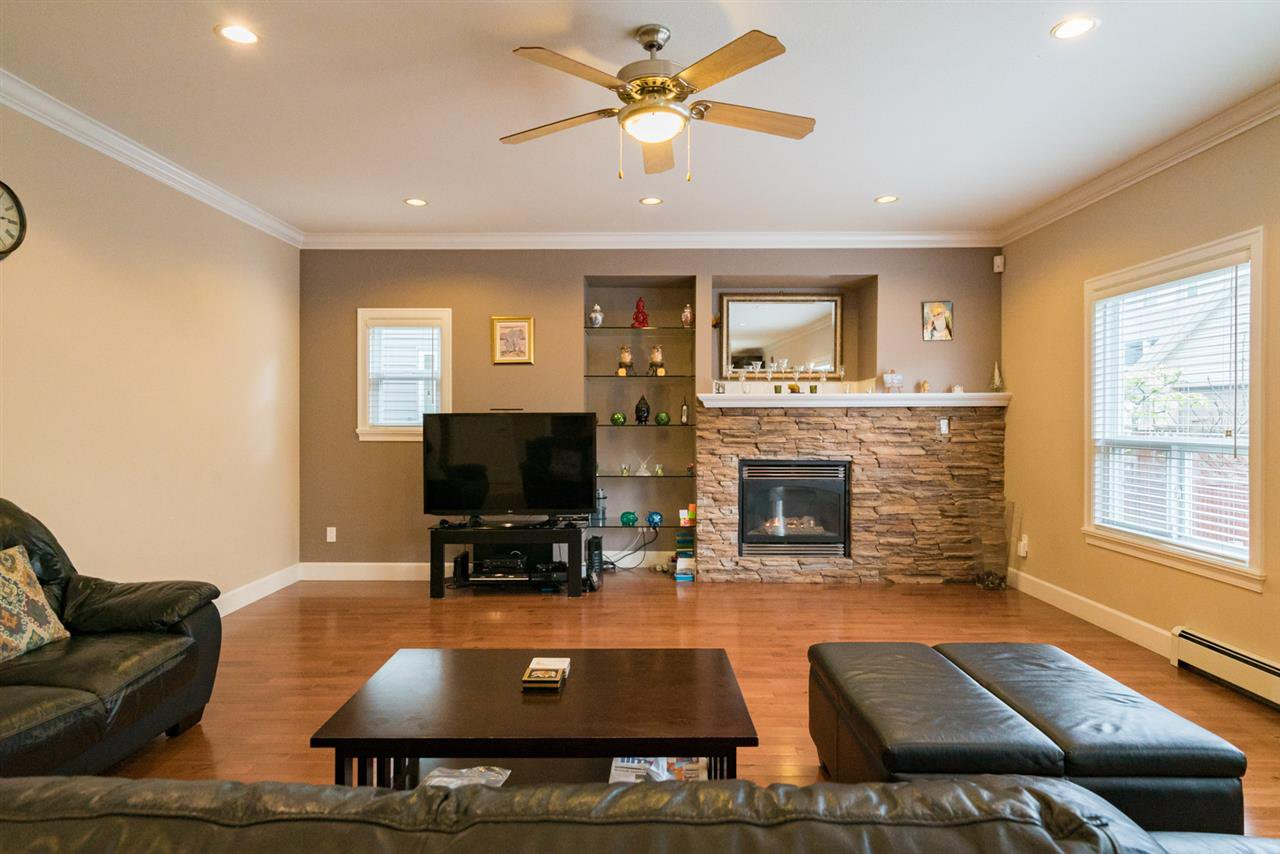 """Photo 5: Photos: 7236 202 Street in Langley: Willoughby Heights House for sale in """"JERICO RIDGE"""" : MLS®# R2168085"""
