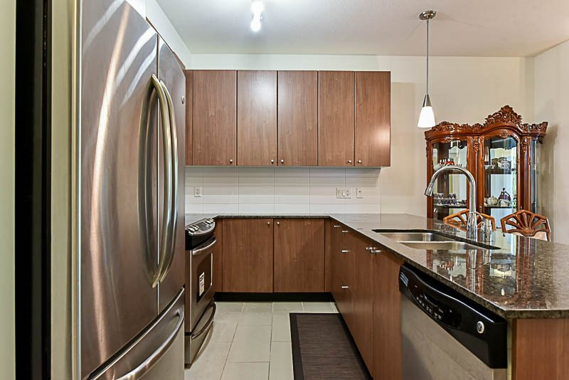 """Photo 4: Photos: 104 240 FRANCIS Way in New Westminster: Fraserview NW Condo for sale in """"THE GROVE"""" : MLS®# R2190309"""