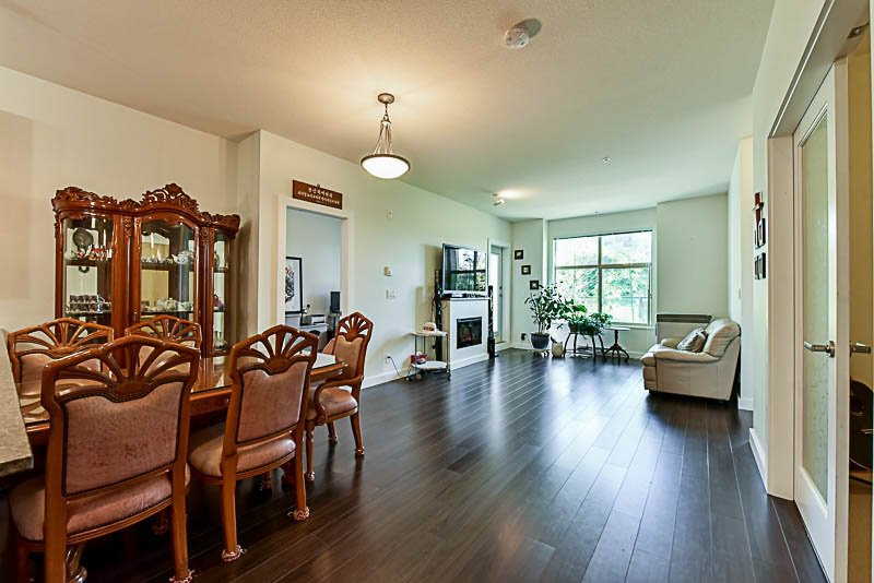 """Photo 8: Photos: 104 240 FRANCIS Way in New Westminster: Fraserview NW Condo for sale in """"THE GROVE"""" : MLS®# R2190309"""