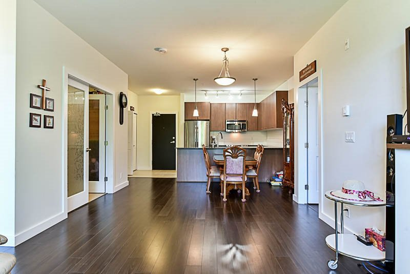"""Photo 11: Photos: 104 240 FRANCIS Way in New Westminster: Fraserview NW Condo for sale in """"THE GROVE"""" : MLS®# R2190309"""
