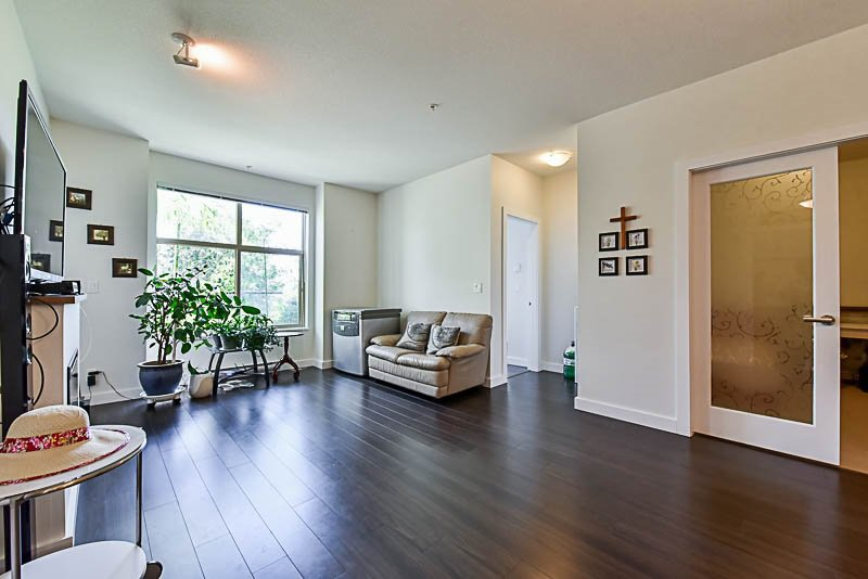 """Photo 9: Photos: 104 240 FRANCIS Way in New Westminster: Fraserview NW Condo for sale in """"THE GROVE"""" : MLS®# R2190309"""