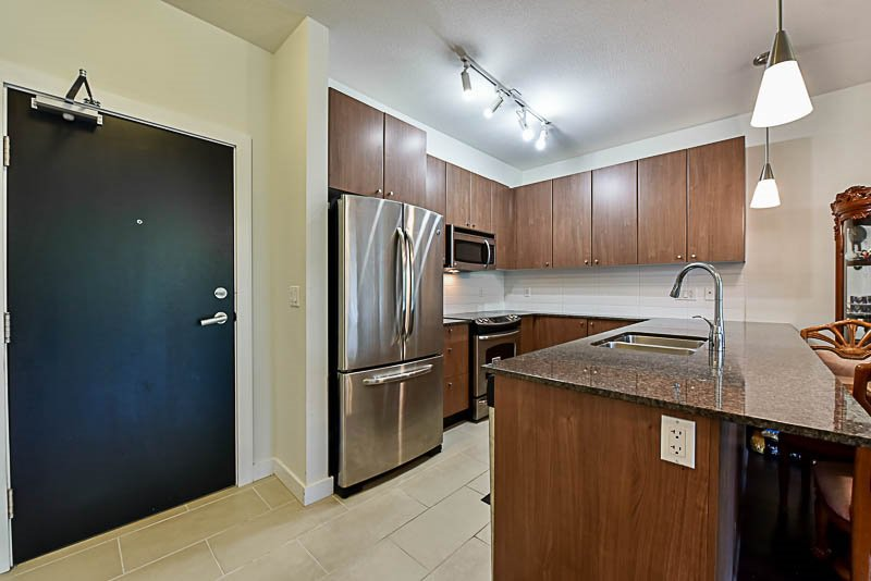 """Photo 3: Photos: 104 240 FRANCIS Way in New Westminster: Fraserview NW Condo for sale in """"THE GROVE"""" : MLS®# R2190309"""